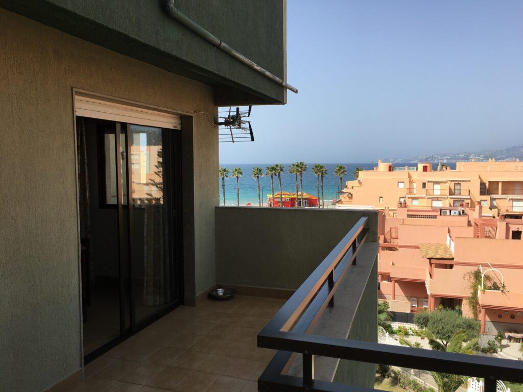 0688 – Apartment on Salobreña beach